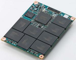 Interiorul unui hard disk SSD