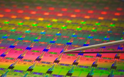 Intel ne promite un 2011 pe 32nm